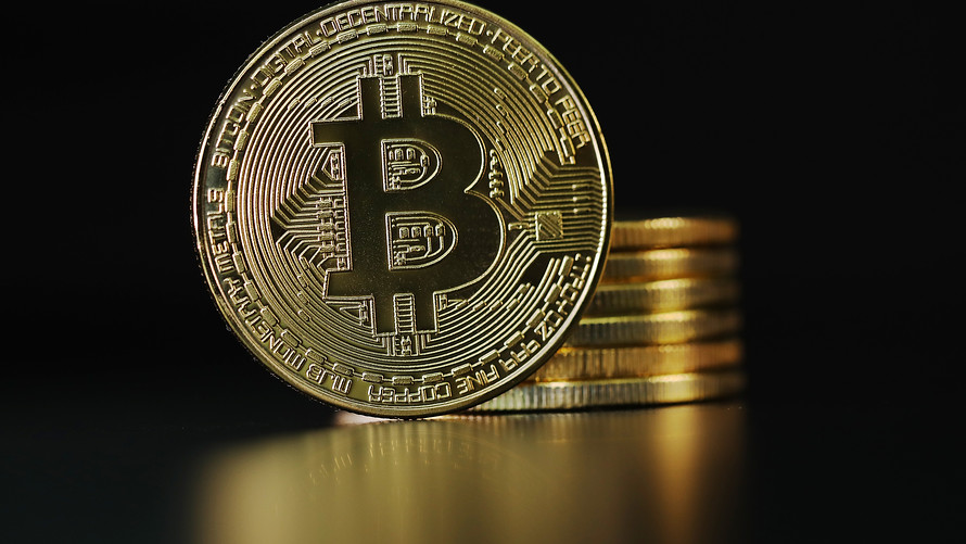 Bitcoin [BTC]: All that glitters is not gold; can the digital equivalent oust the real thing?